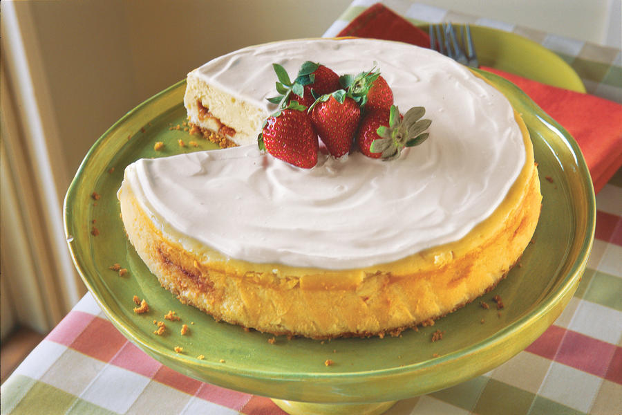 Irish Strawberry-and-Cream Cheesecake Recipes