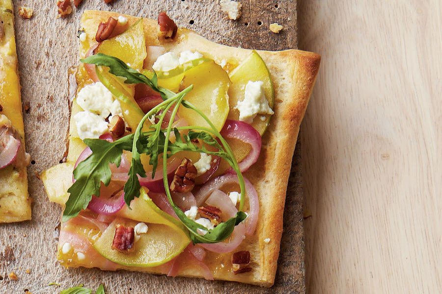Apple-Goat Cheese Pizza
