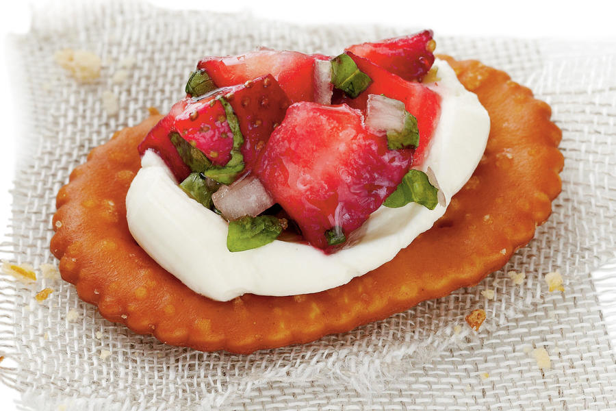 Strawberry Pretzel Crostini Recipe