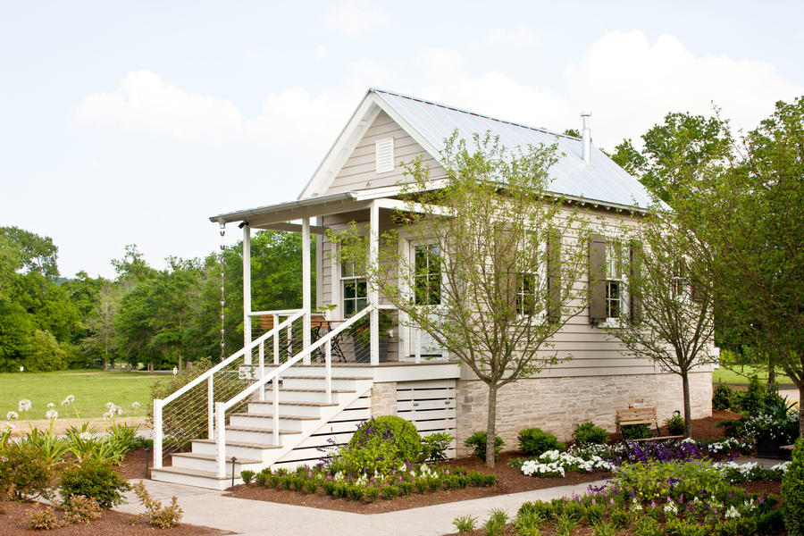 The bunkies nashville idea house at fontanel southern for Nashville star home tour