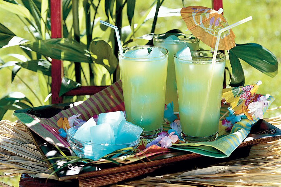 Punch and Cocktail Summer Drink Recipes: Southern Breeze