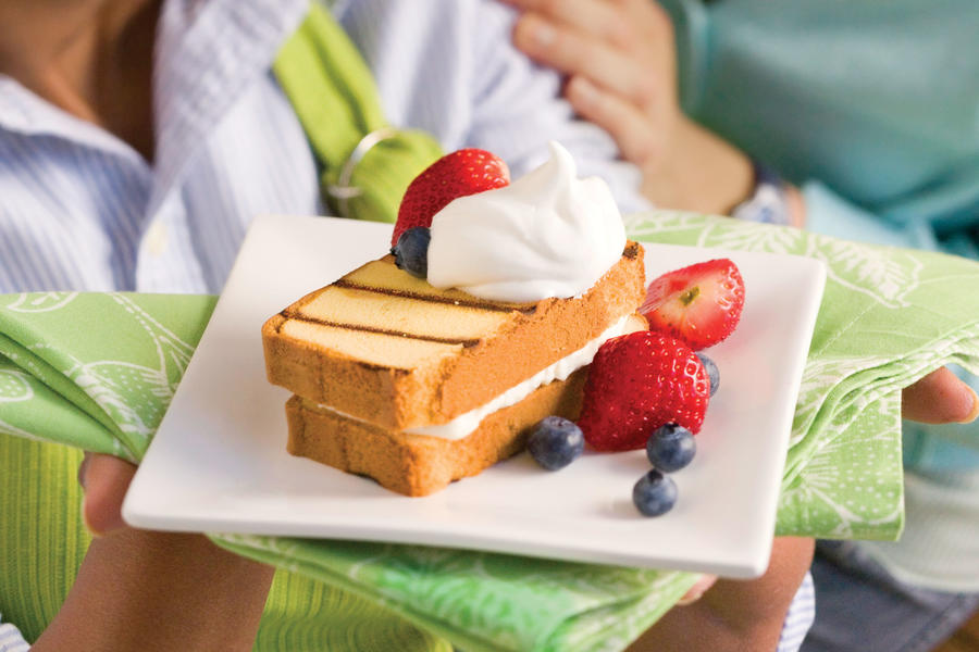 Vegetarian Grilling Recipes: Cream-Filled Grilled Pound Cake