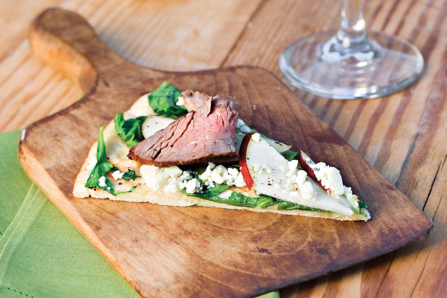 Pizza Recipes: Grilled Pizza With Steak, Pear, and Arugula