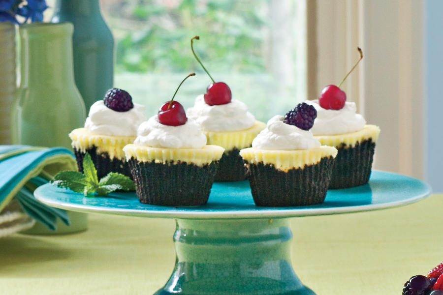 Chocolate-Key Lime Cupcake Pies