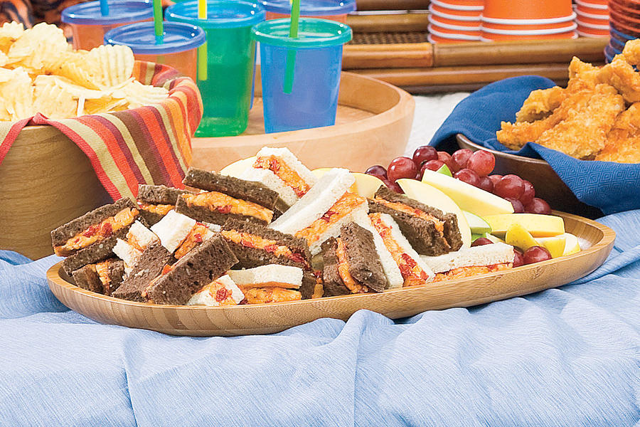"""Tailgating Recipes: Smoky """"Pimiento"""" Cheese Sandwiches"""