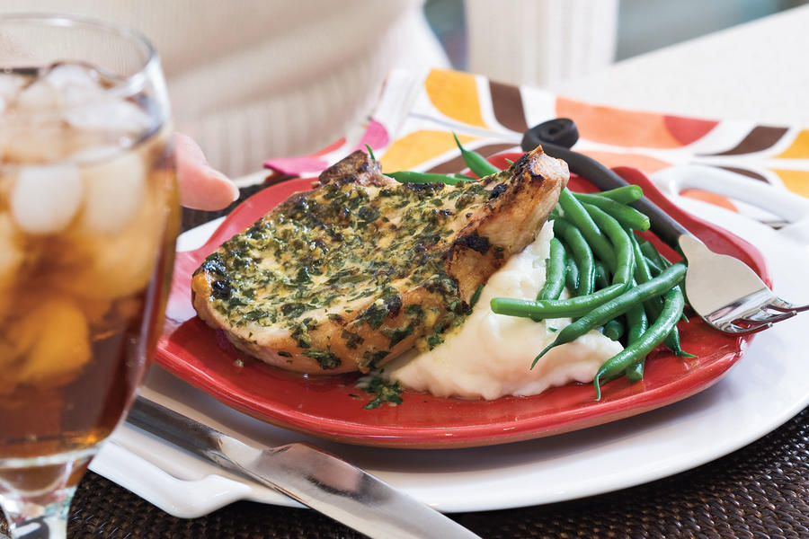 Quick and Easy Dinner Recipes: Pork Chops With Herb-Mustard Butter