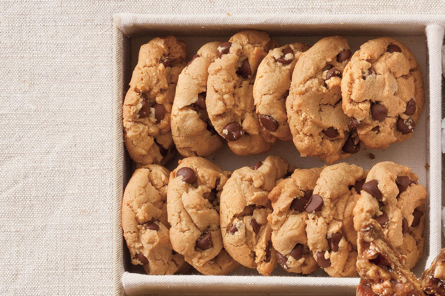 Christmas Cookie Recipes: Flourless Peanut Butter-Chocolate Chip Cookies