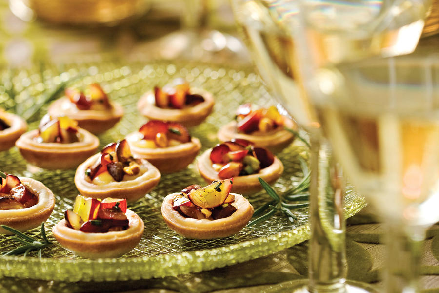 Brie Tartlets With Grape Relish