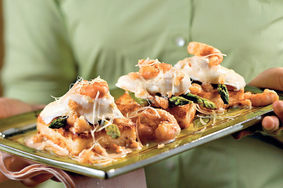 Cajun Recipes: Shrimp-and-Grits Eggs Benedict