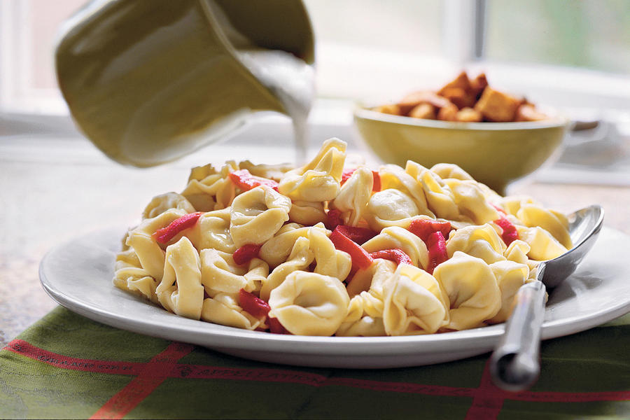 Easy Pasta Recipes: Roasted Red Pepper-Caesar Tortelloni