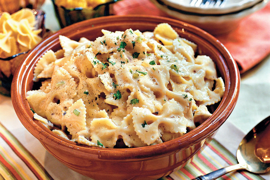 Kid-Friendly Chicken: Chicken and Bow Tie Pasta