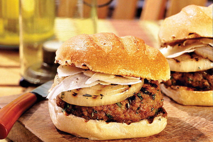 Grilled Burgers and Sanwiches Recipes: Tasty Turkey Burgers