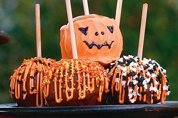 Halloween Candy Apples