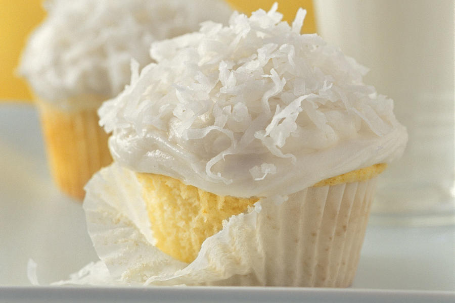 Cupcake Recipes: Basic White Cupcakes