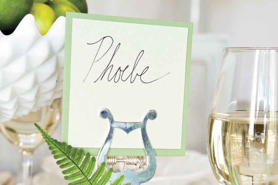 Table Place Settings for Entertaining: Create a Unique Place Card