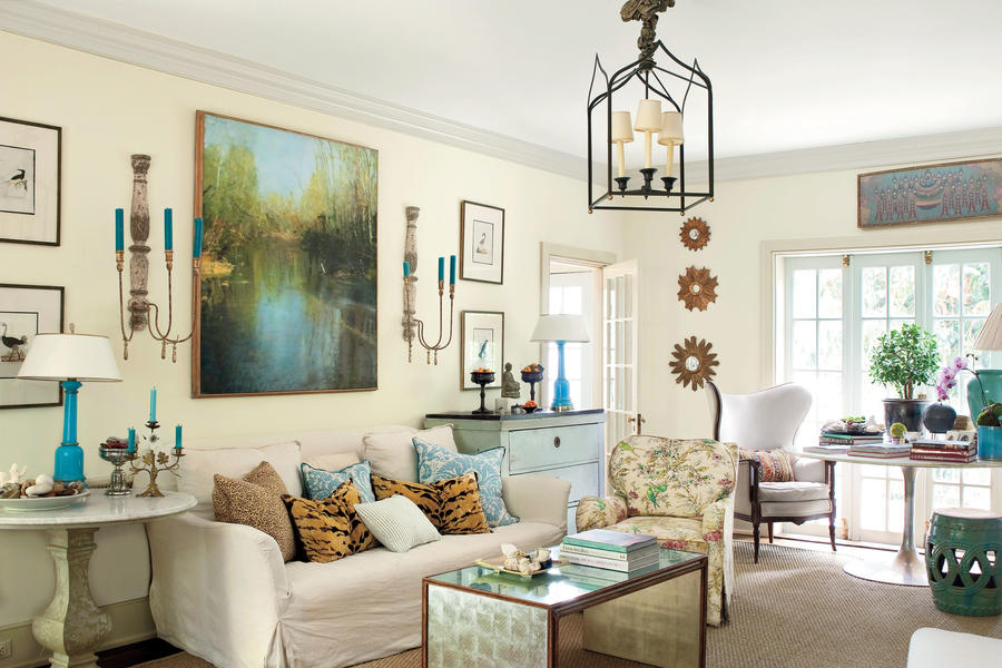 Elegant Display Your Collection To Advantage Living Room Decorating Part 16
