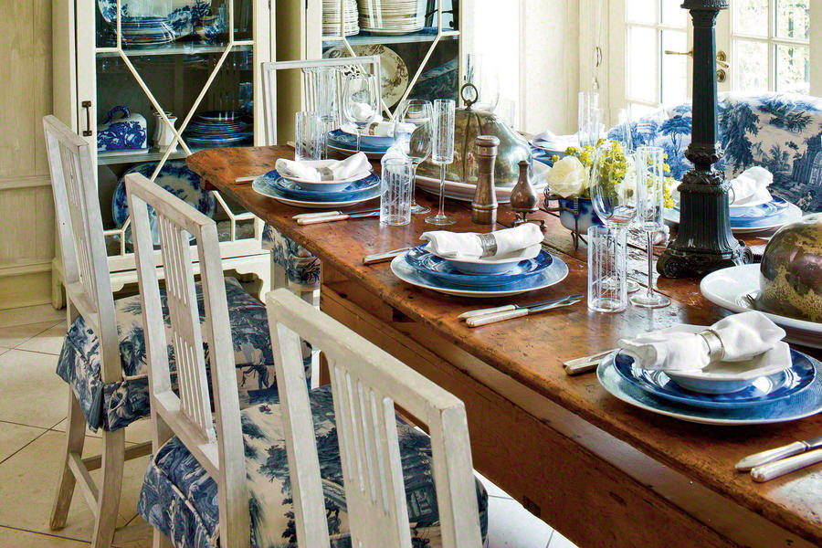 Casual, Relaxed Table Setting