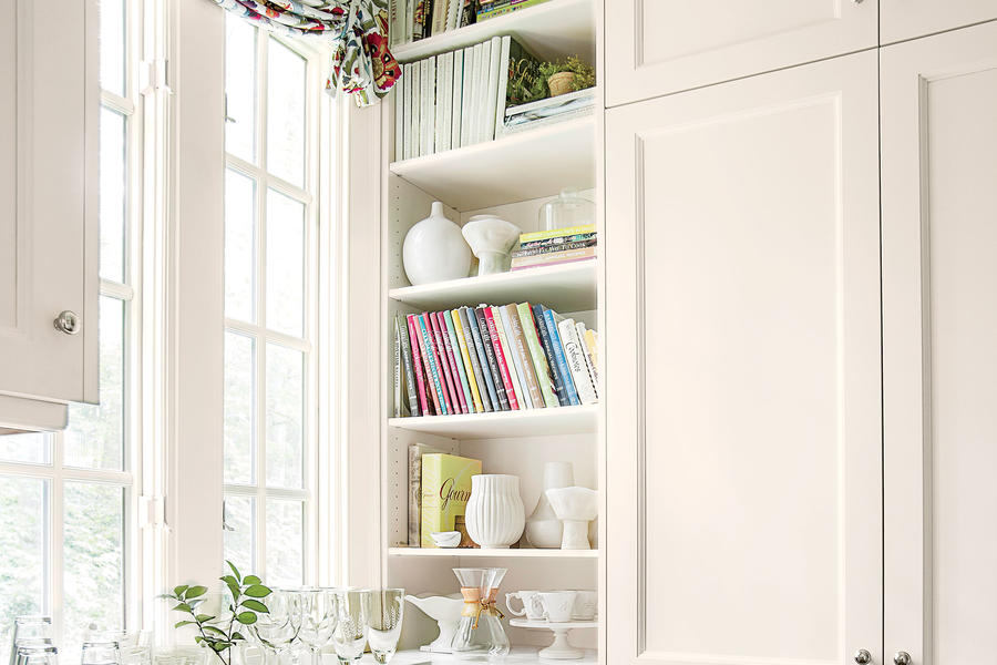 The Details: Floor-To-Ceiling Storage