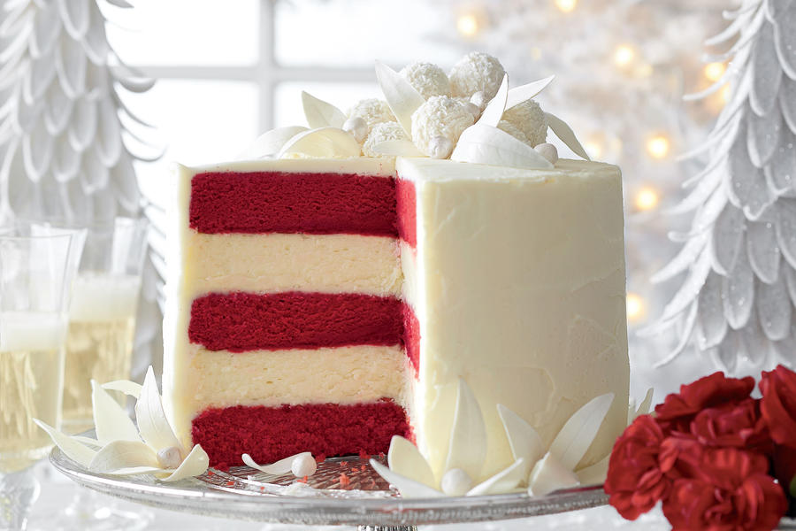 Red Velvet-White Chocolate Cheesecake