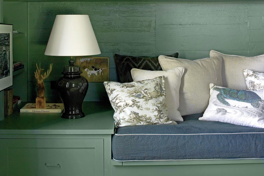 Holiday Details: Built-In Banquette