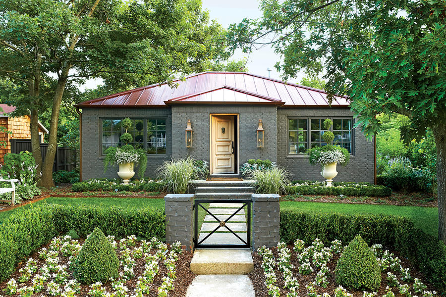 Symmetrical Cottage Charming Home Exteriors Southern Living