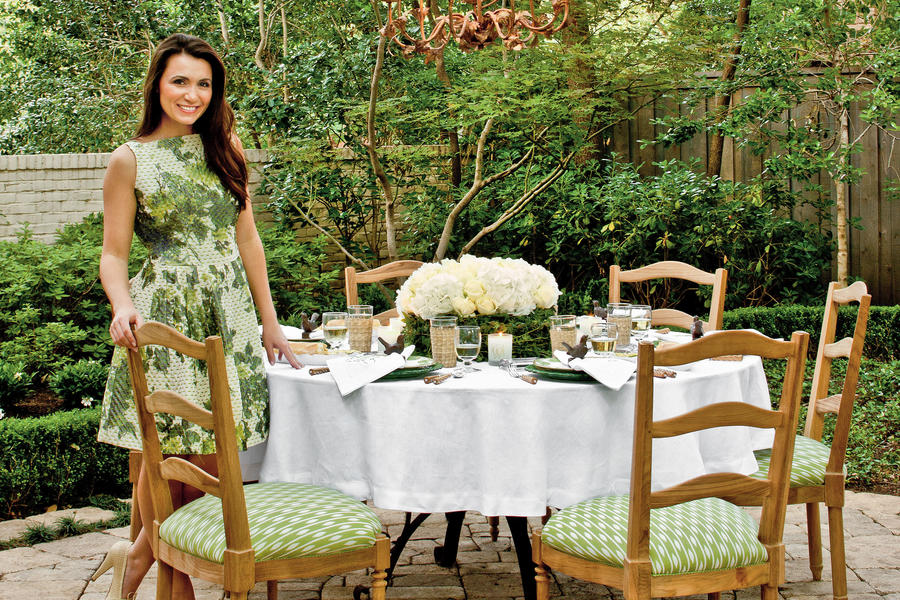 Alfresco Table Setting
