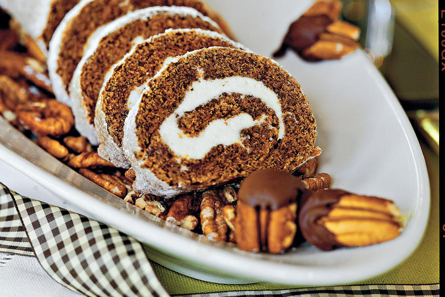 Muffins and Bread Recipes: Pumpkin Roll