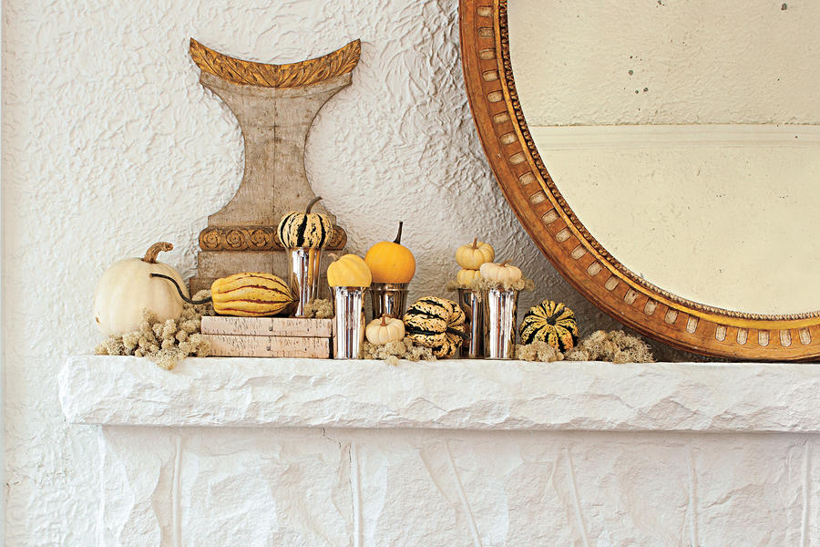 Traditional Pumpkin Mantel