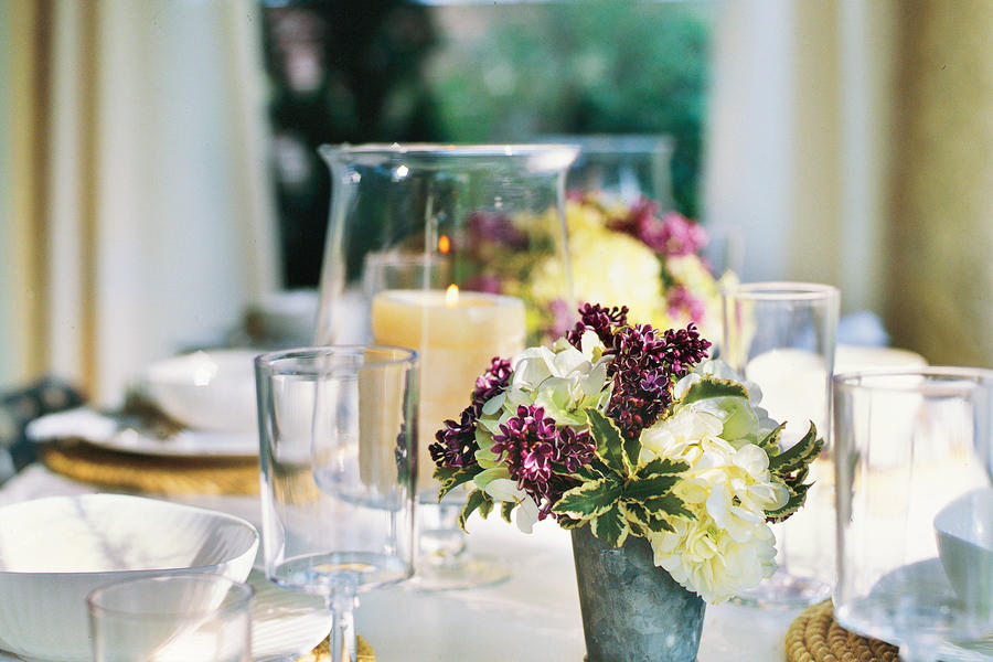 Outdoor Dining: Add Fresh Flowers