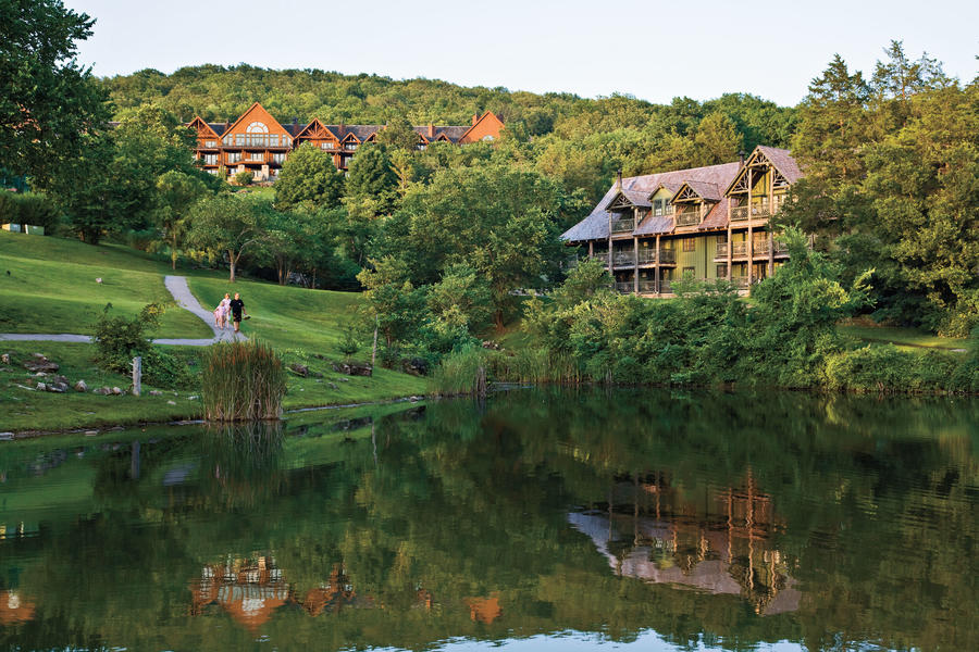 big spring lodge overlooking table rock lake