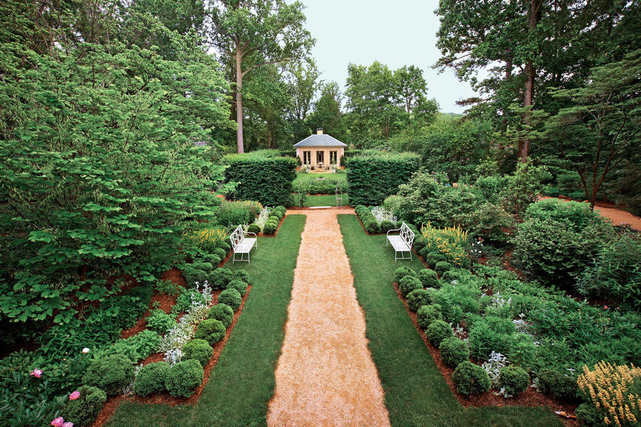 Classical Virginia Garden