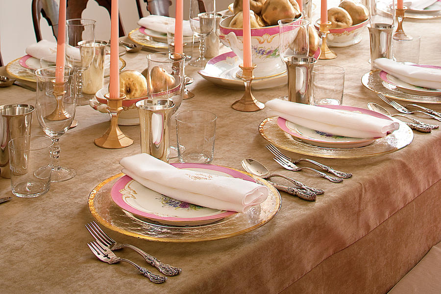How To Set this Sparkling Table