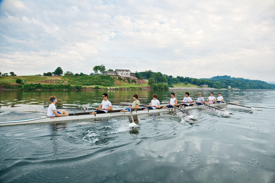 Row on the Tennessee River
