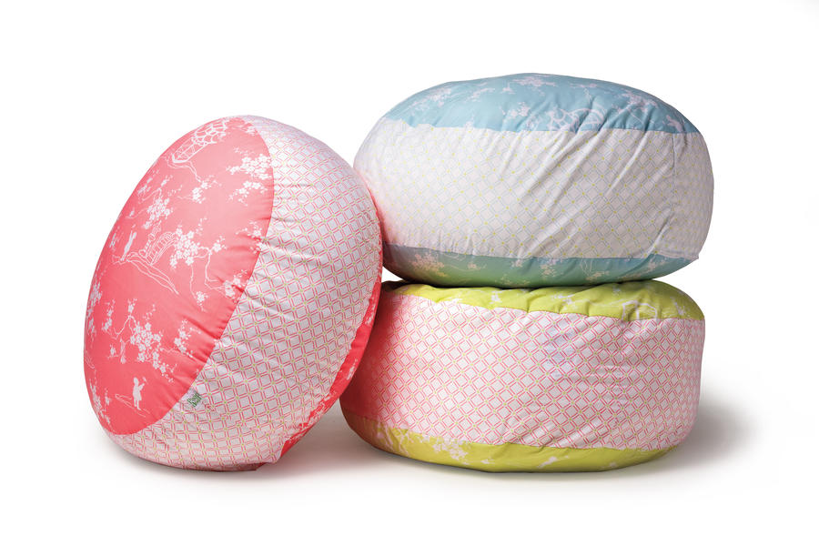 Gifts for Girlfriends: Poufs