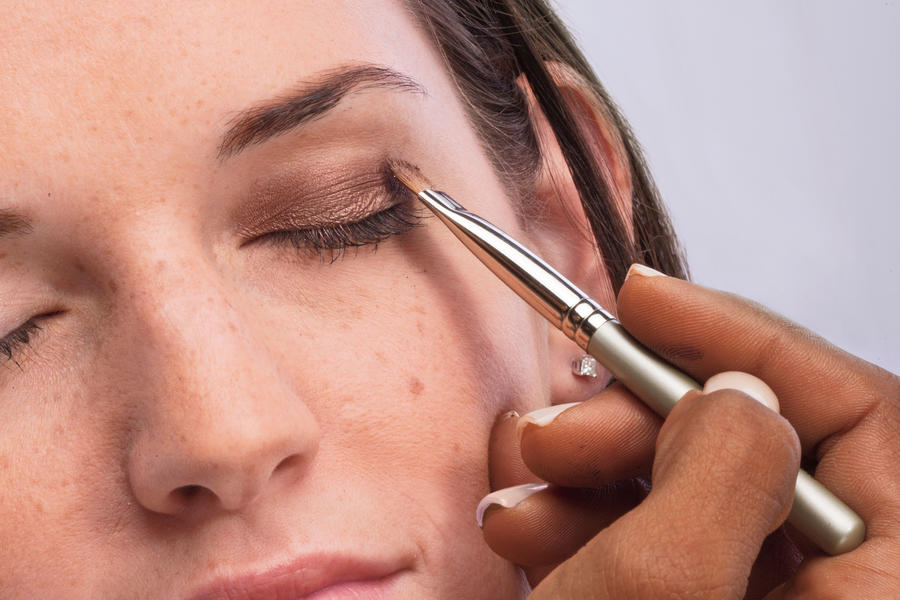 Smoky Eye Makeup Tips: Step 1