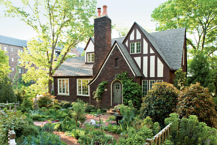 Cottage garden design southern living for Backyard cottage plans