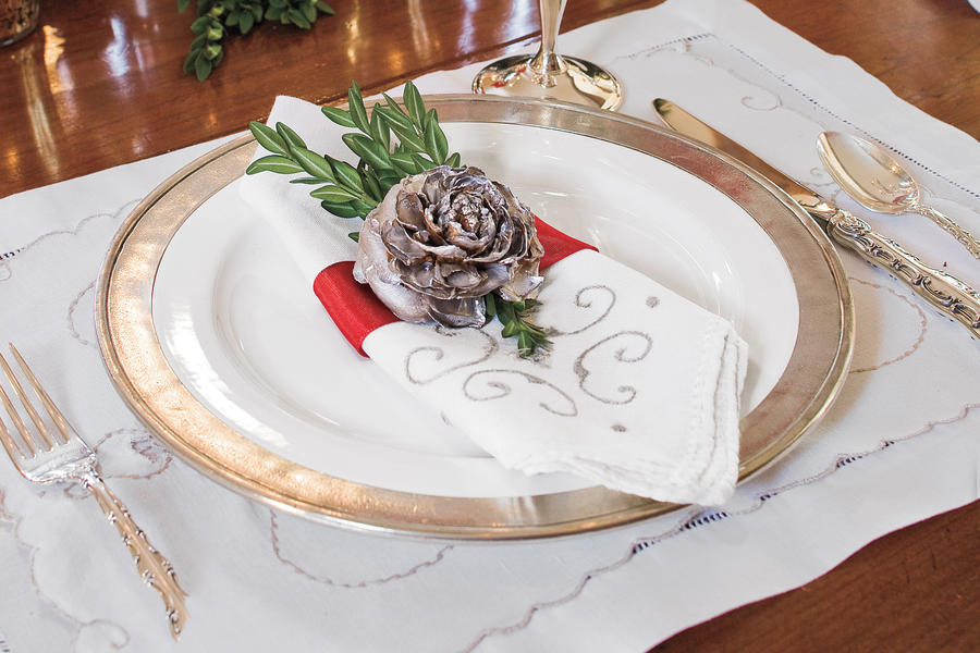 Christmas Decorating Ideas: Cedar Rose Napkin Rings