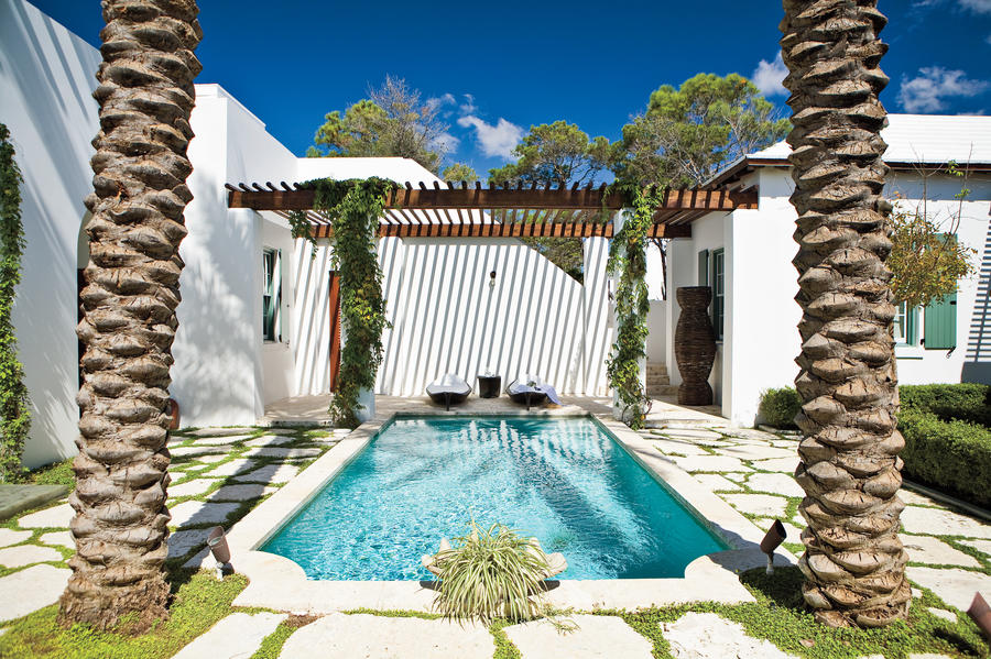 Blissful Pool - Beach Decorating Ideas: Outdoor Spaces ... on Southern Pools And Outdoor Living id=69235