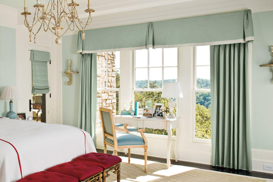 Mixed styles bedroom window treatments southern living for Bedroom window styles