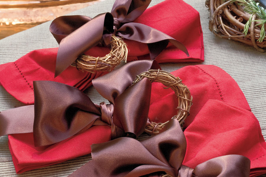 Christmas Decorating Ideas: Grapevine Napkin Rings