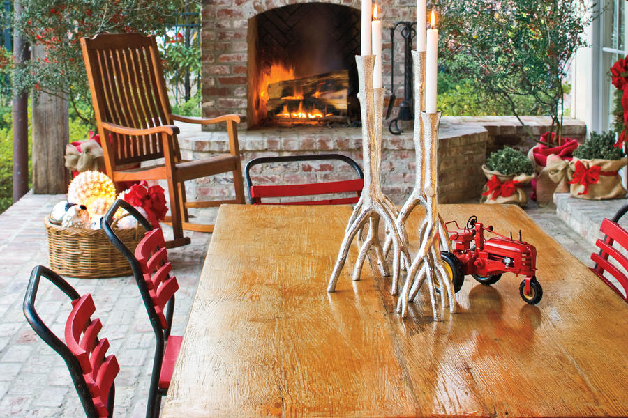 Christmas Decorating Ideas: Porchs and Patios