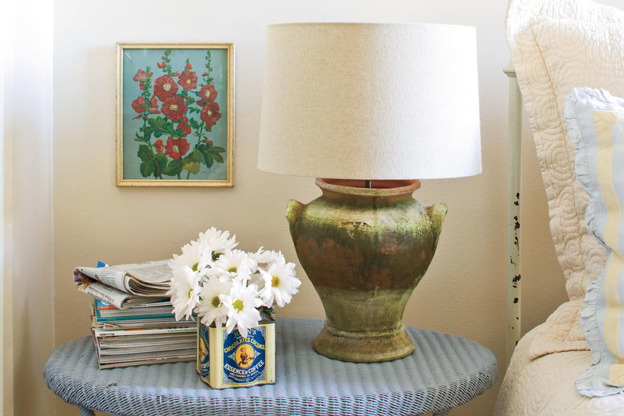 Do It Yourself Table Lamp Craft: Make a Charming Bedside Lamp