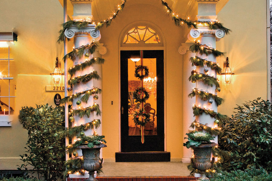 Christmas Decorating Ideas: Front Columns