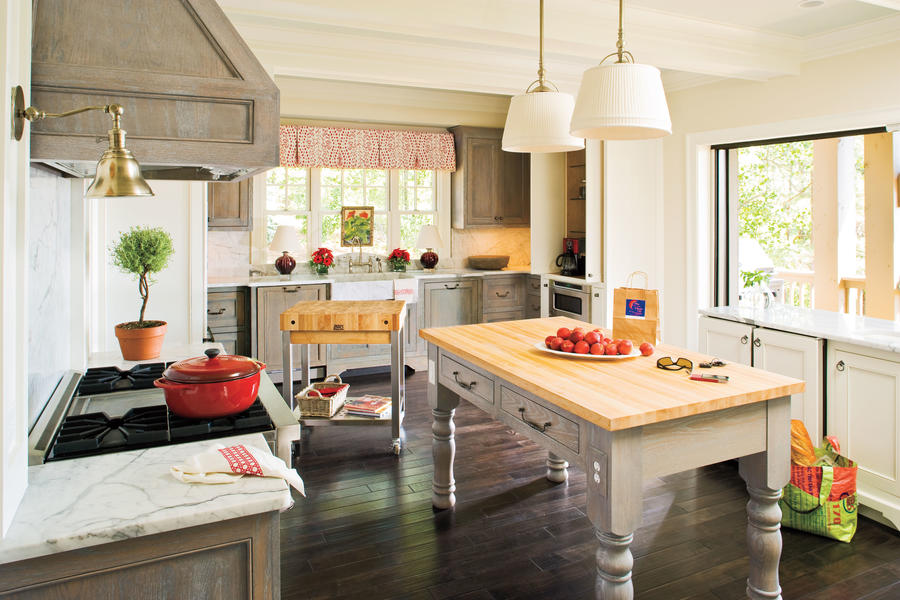Kitchen hemlock springs idea house tour southern living for Southern living kitchen designs