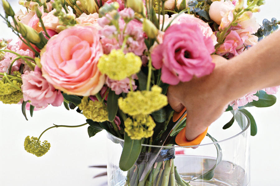 How to Make a Posy Bouquet: Place in Vase