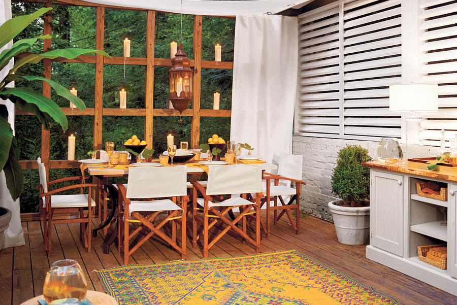 Deck Dining: After