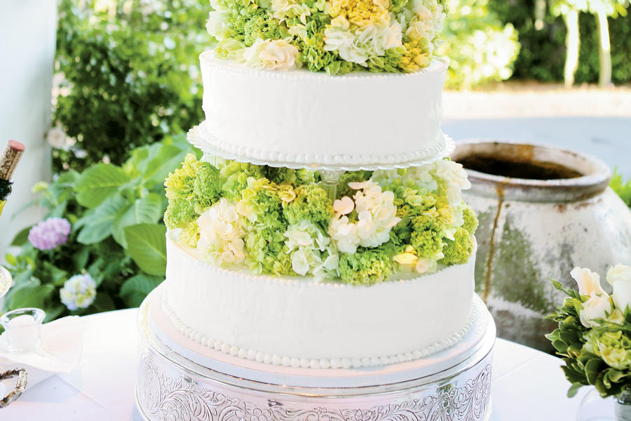 Garden-Tiered Wedding Cake