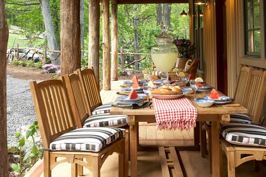 Front Porch Outdoor Dining