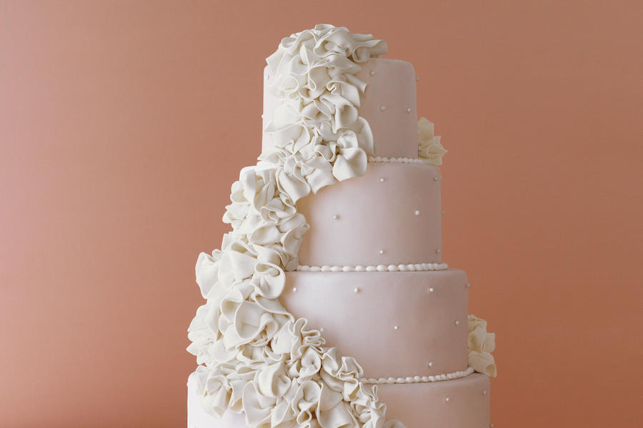 Pearl Perfection Wedding Cake
