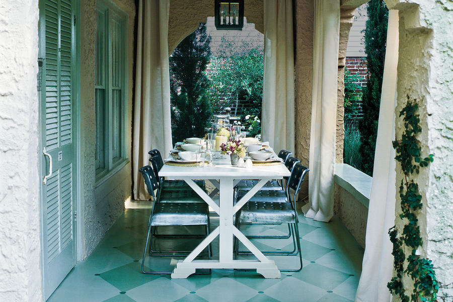 Simple & Chic Porch